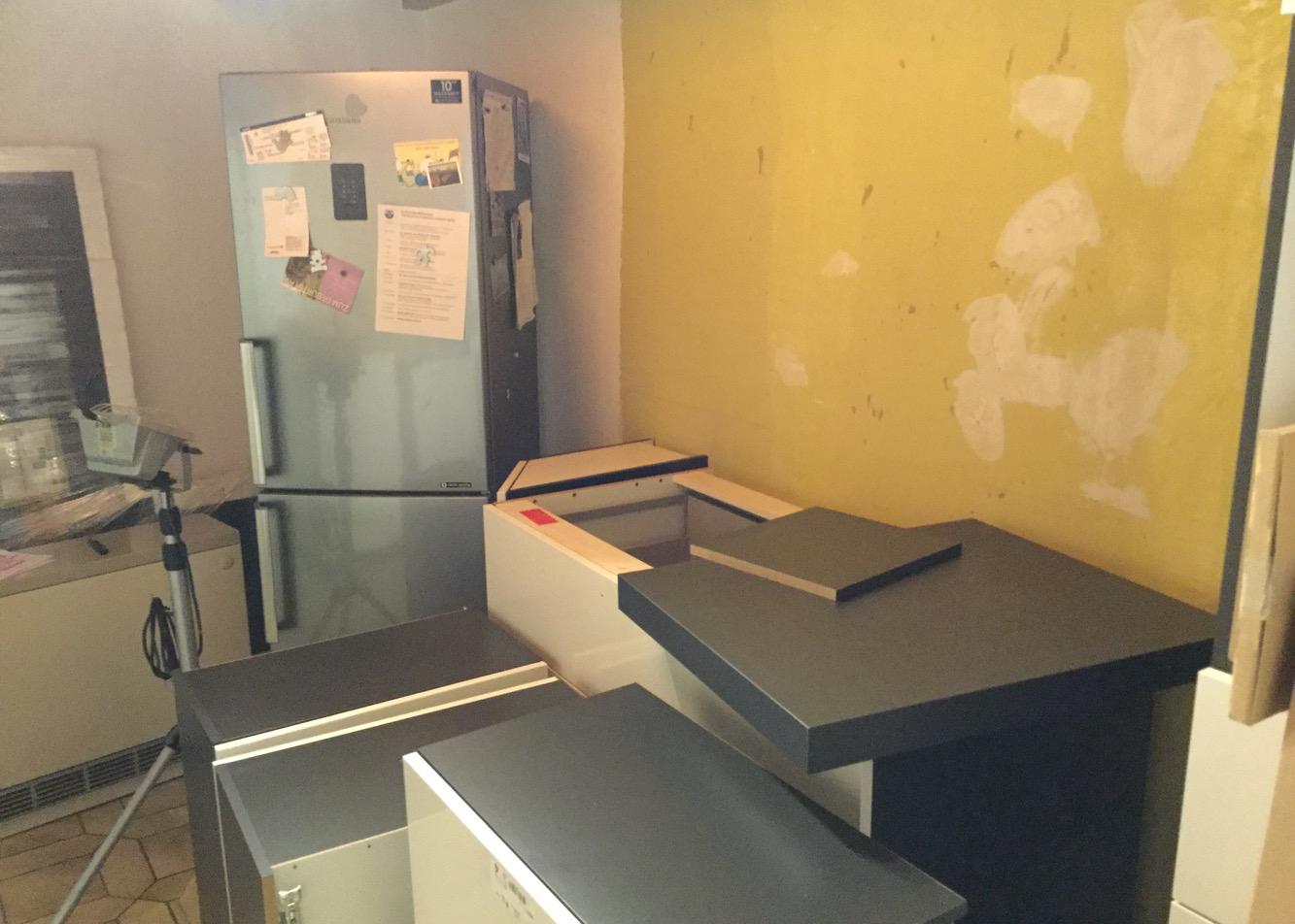 Die Küche wird aufgebaut (I)