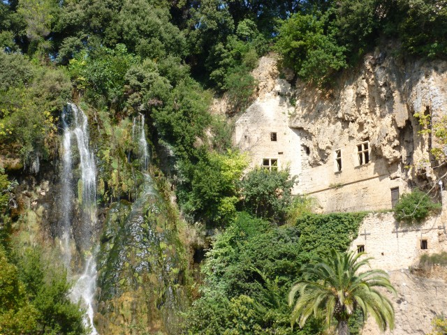Grottes troglodytiques de Villecroze