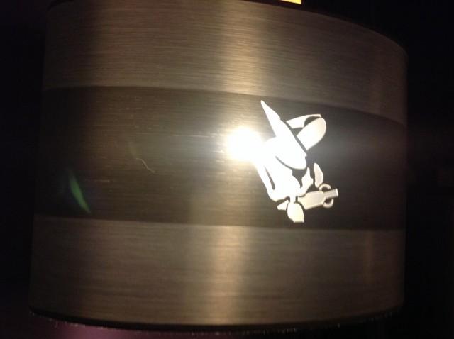 Hotel-Logo auf Lampe